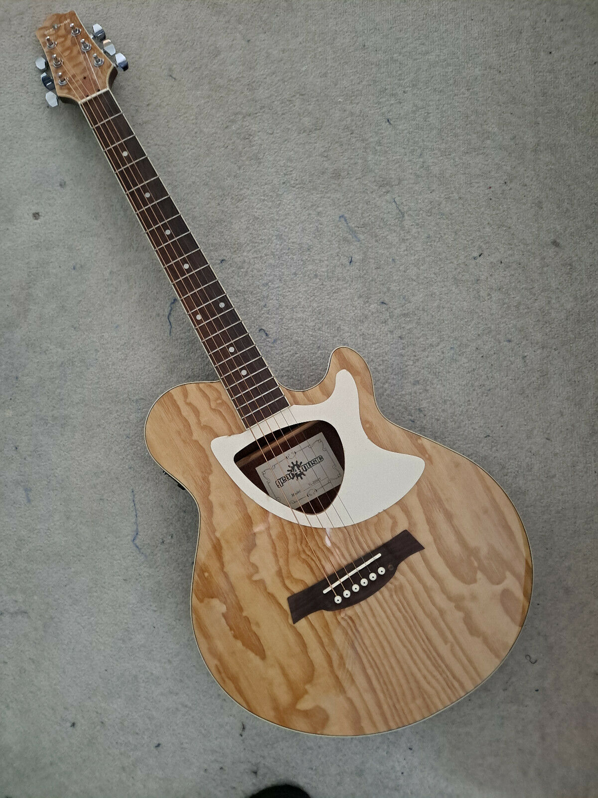 This pre-owned Gear4Music guitar is for sale - Gear4Music Electro Acoustic Guitar
